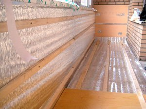 Обшивая балкон вагонкой